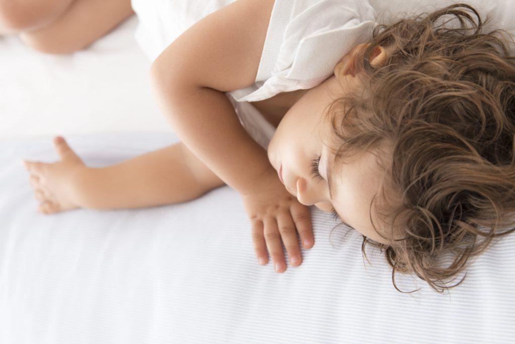 Schlaf-Kleinkind